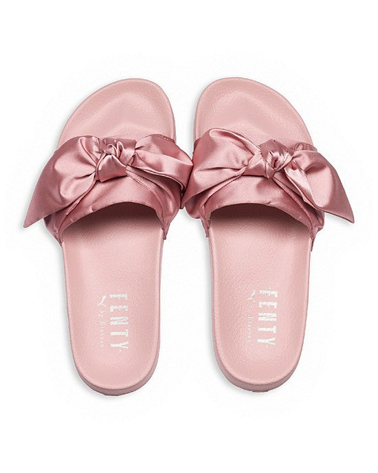 low priced c3397 ff2cd Bow Slide Fenty x Puma