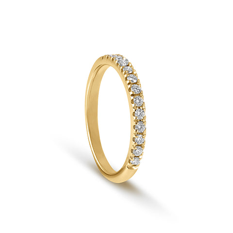 18 carat Yellow Gold half Round Brilliant Cut Diamond Ring