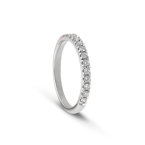 18 carat White Gold half Round Brilliant Cut Diamond ring