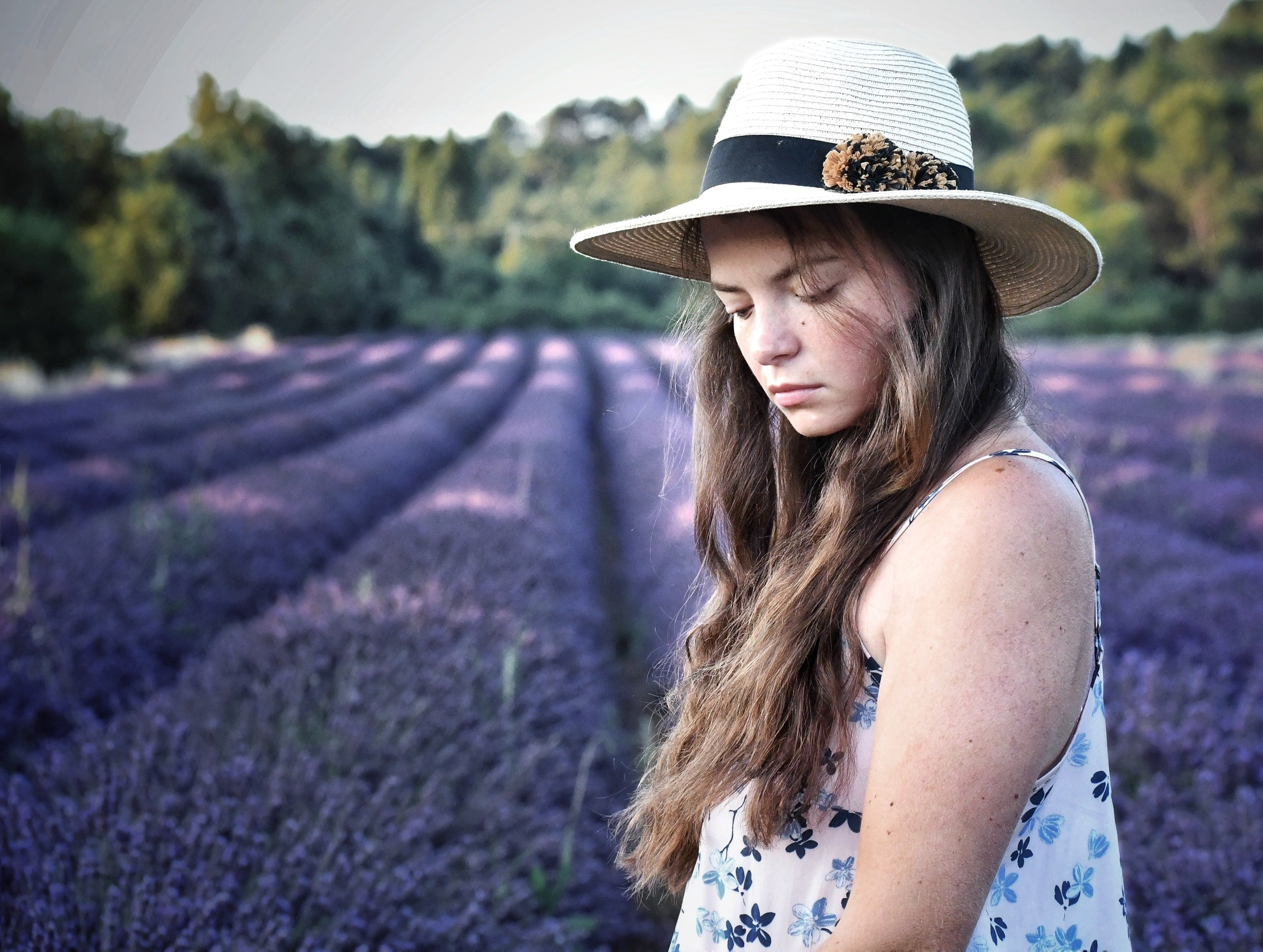 girl with hat in lavender field