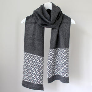 Fair isle scarf - cliff and white