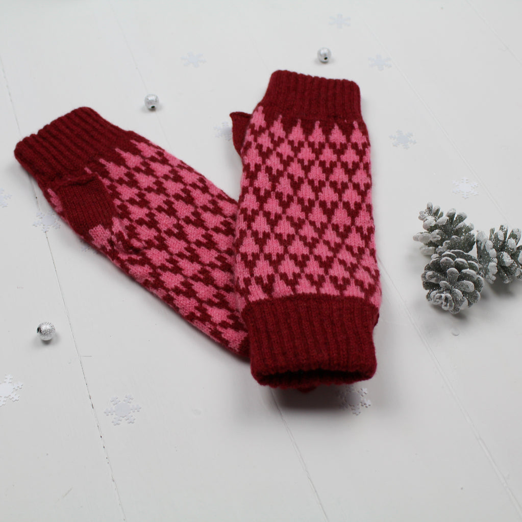 Arrow mitts - red and pink