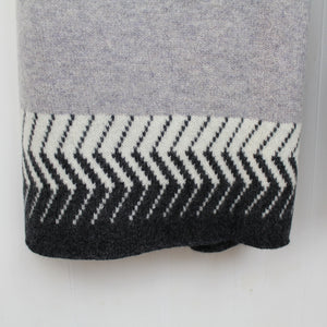 Chevron knitted wrap - monochrome