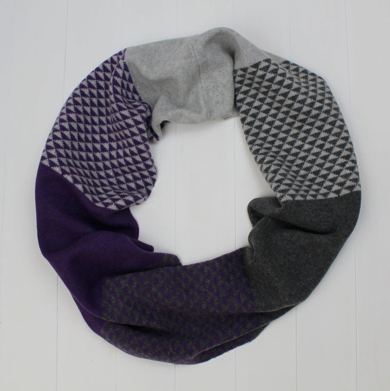 Triangle circle scarf - purple/grey