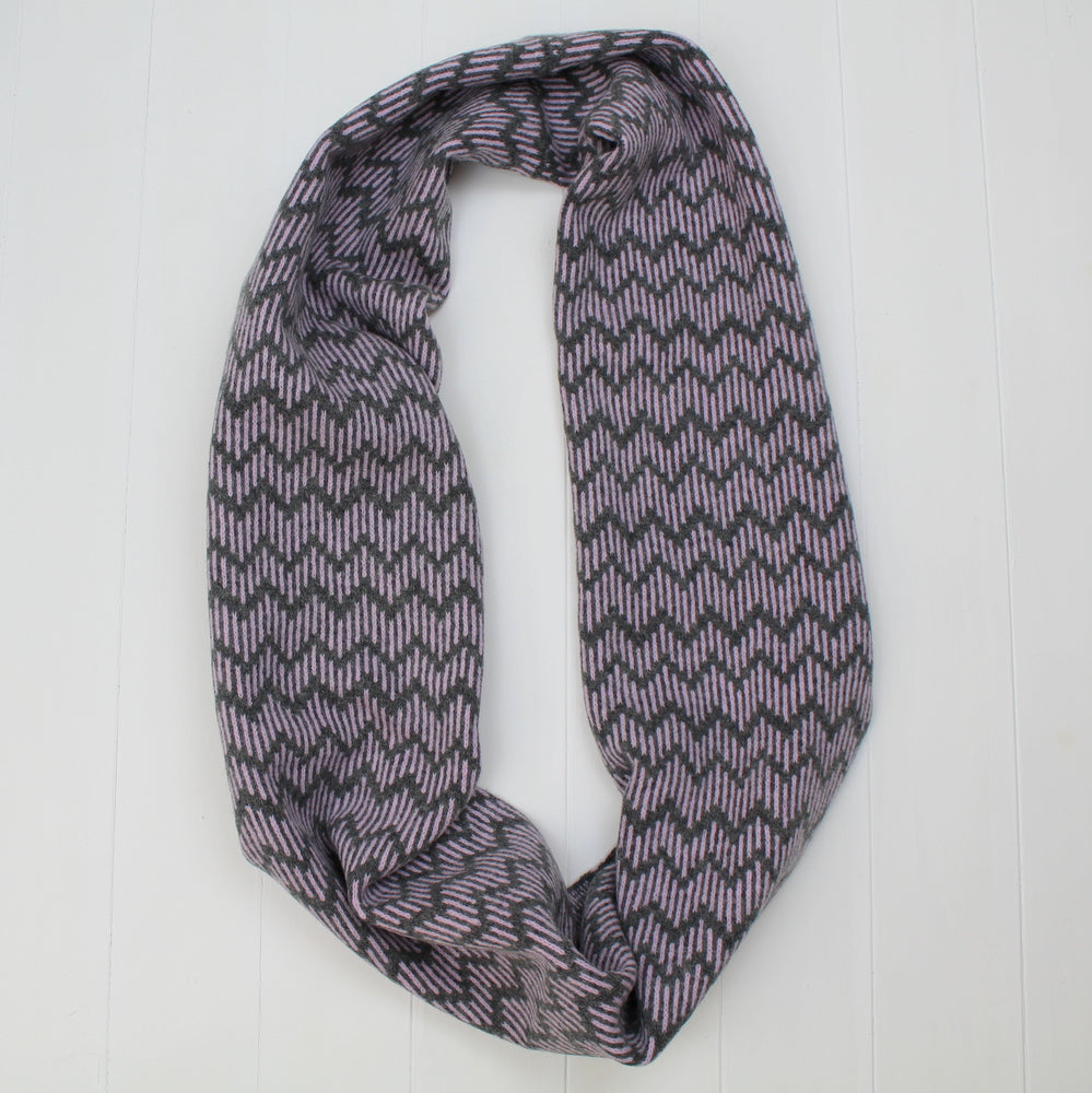 Zig zag circle scarf - cliff and pink
