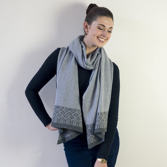 Lambswool wrap - seal and cliff