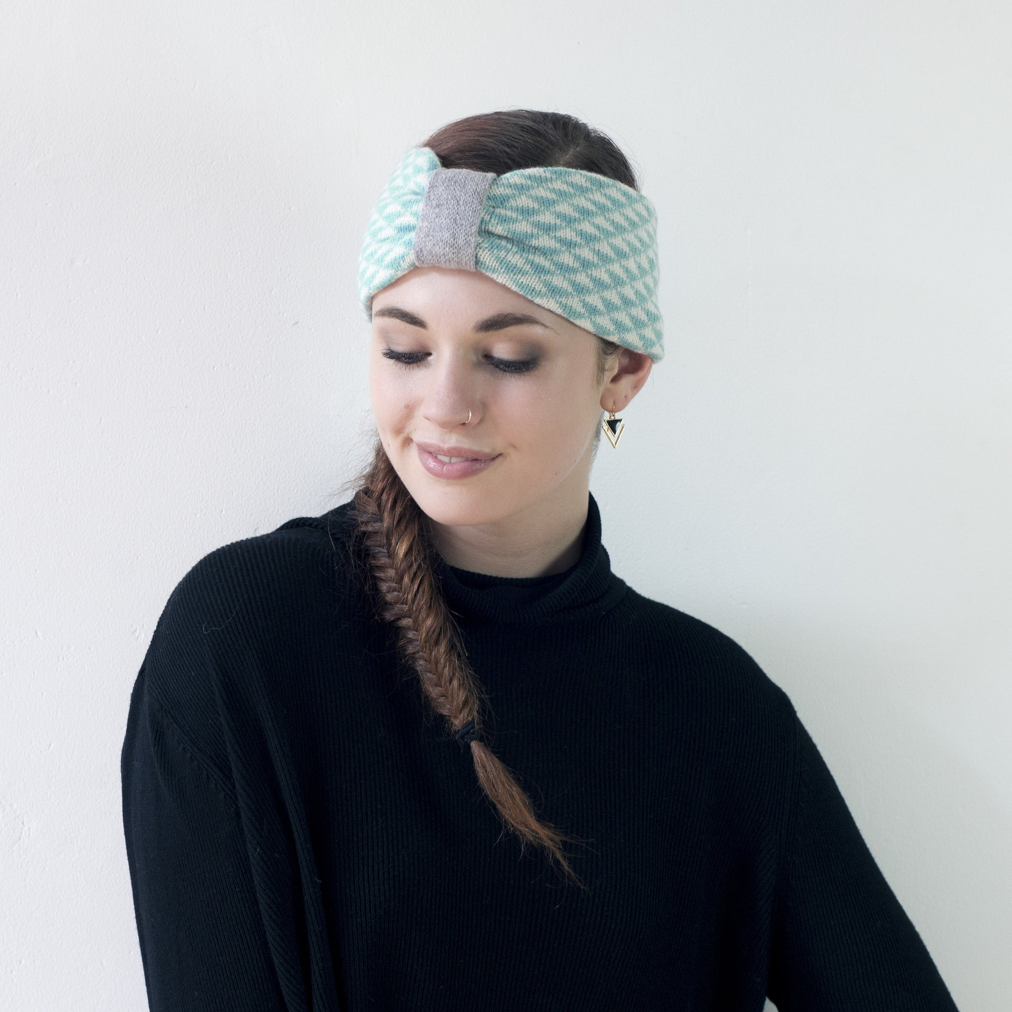 Triangle knitted headband - mint