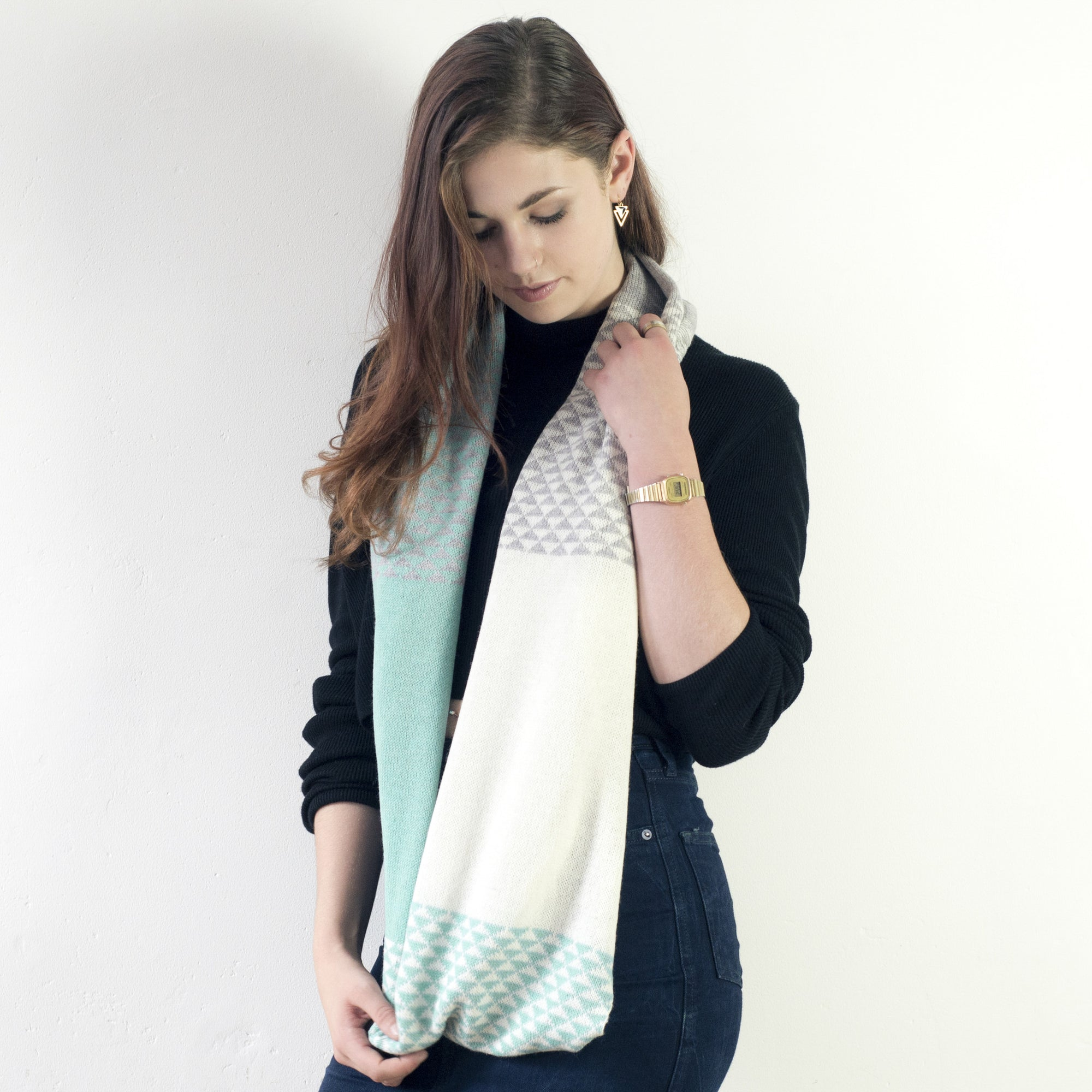 Mint triangle circle scarf