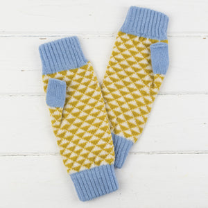 SAMPLE SALE Triangle mitts - piccalilli