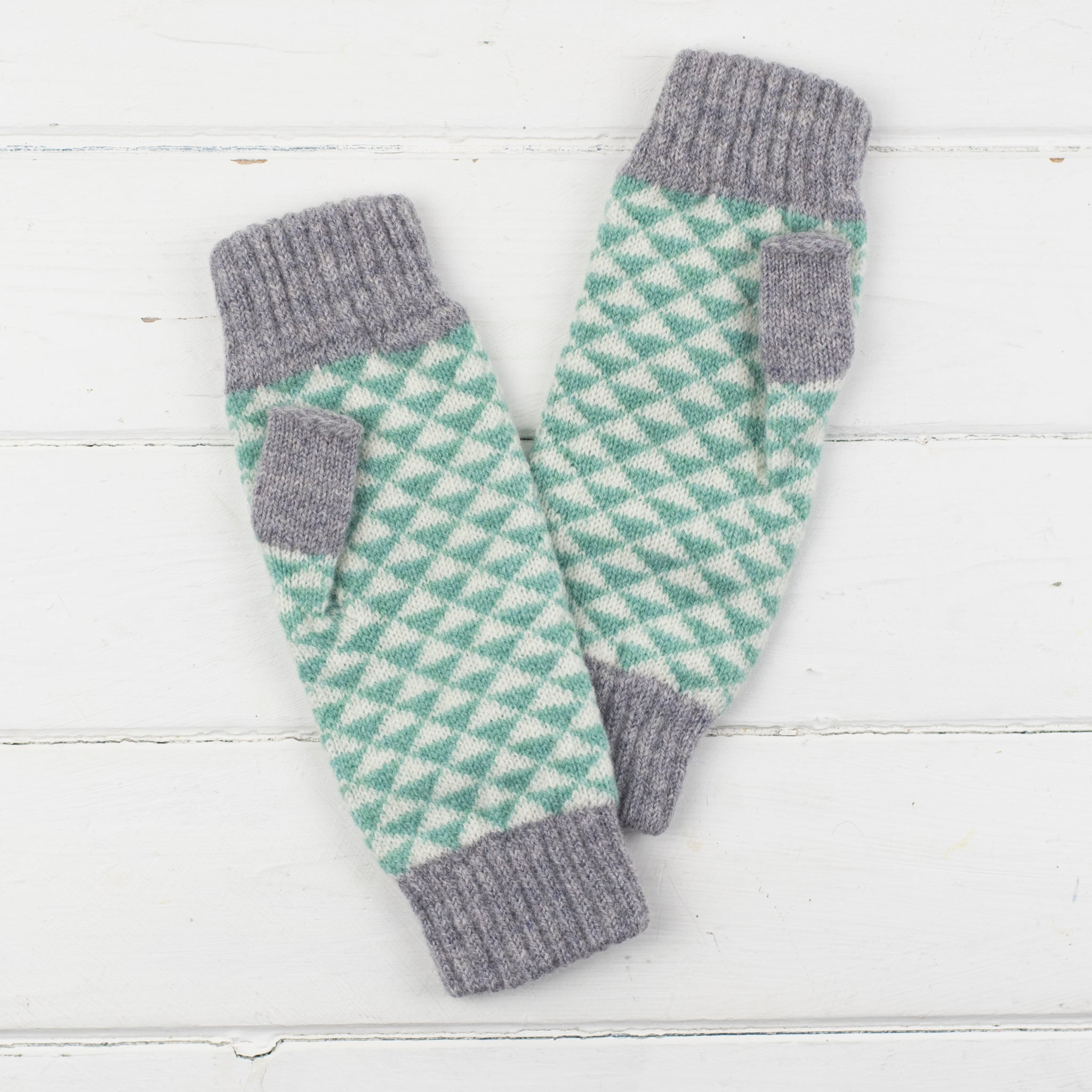 Triangle knitted mitts - mint - Miss Knit Nat