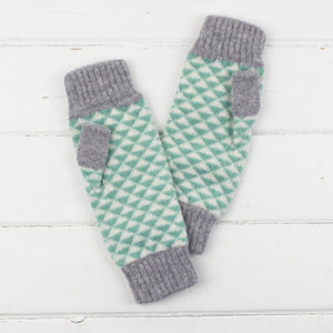 Triangle knitted mitts - mint