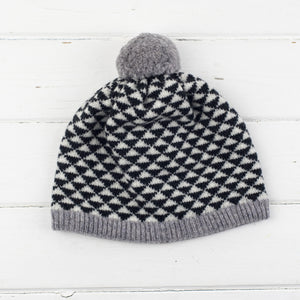 Triangle pom pom hat - monochrome