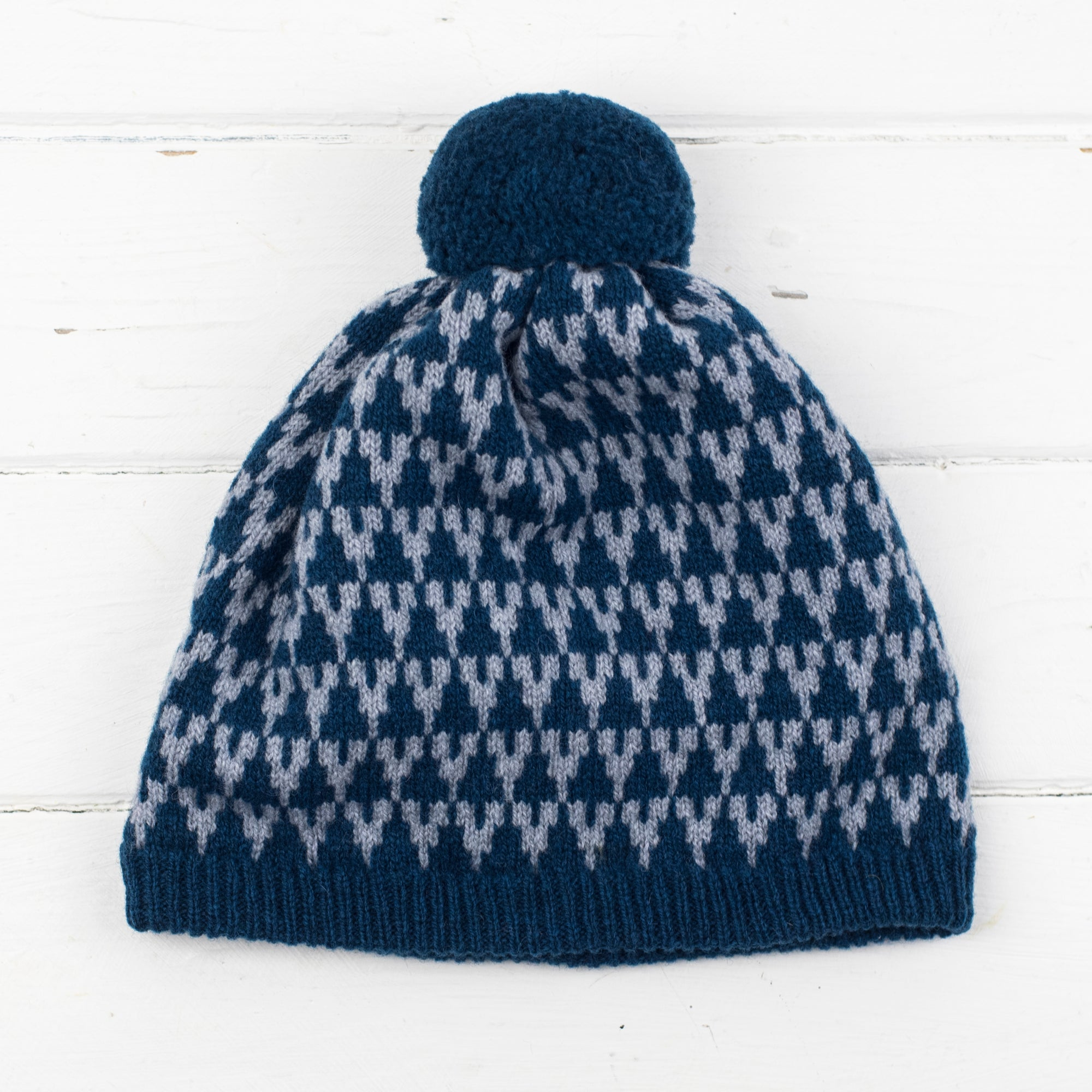 Arrow pom pom hat - diesel and seal