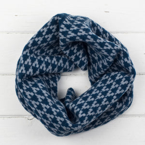 SAMPLE SALE Arrow snood / cowl - diesel / seal