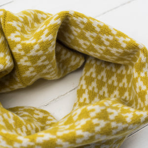 Arrow snood / cowl - piccalilli