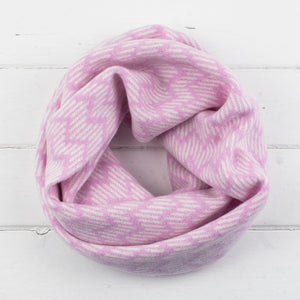 Zig zag circle scarf - pink and white