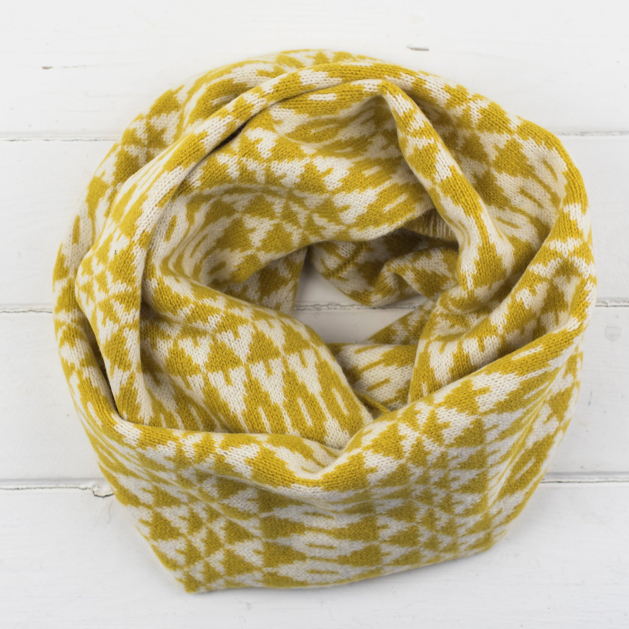 Mirror circle scarf - piccalilli and cream