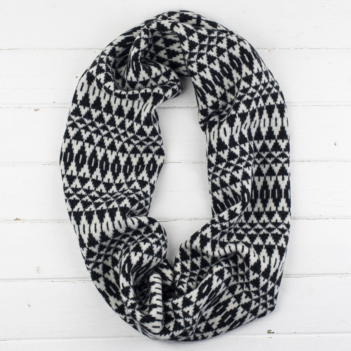 Mirror circle scarf - monochrome