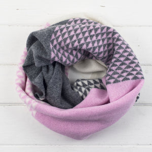 Triangle circle scarf - pink/white/grey