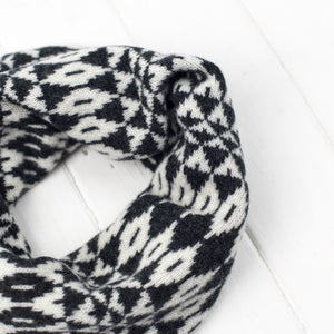 Mirror snood / cowl - monochrome