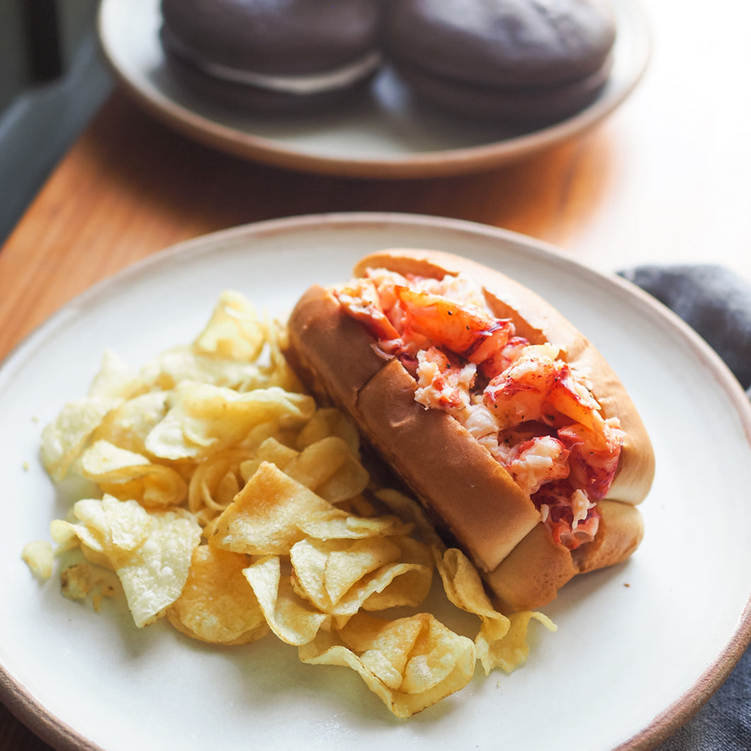 Mason's Meal! Fresh Maine Lobster Roll Kit, plus Chips and Dessert – 12 Pack