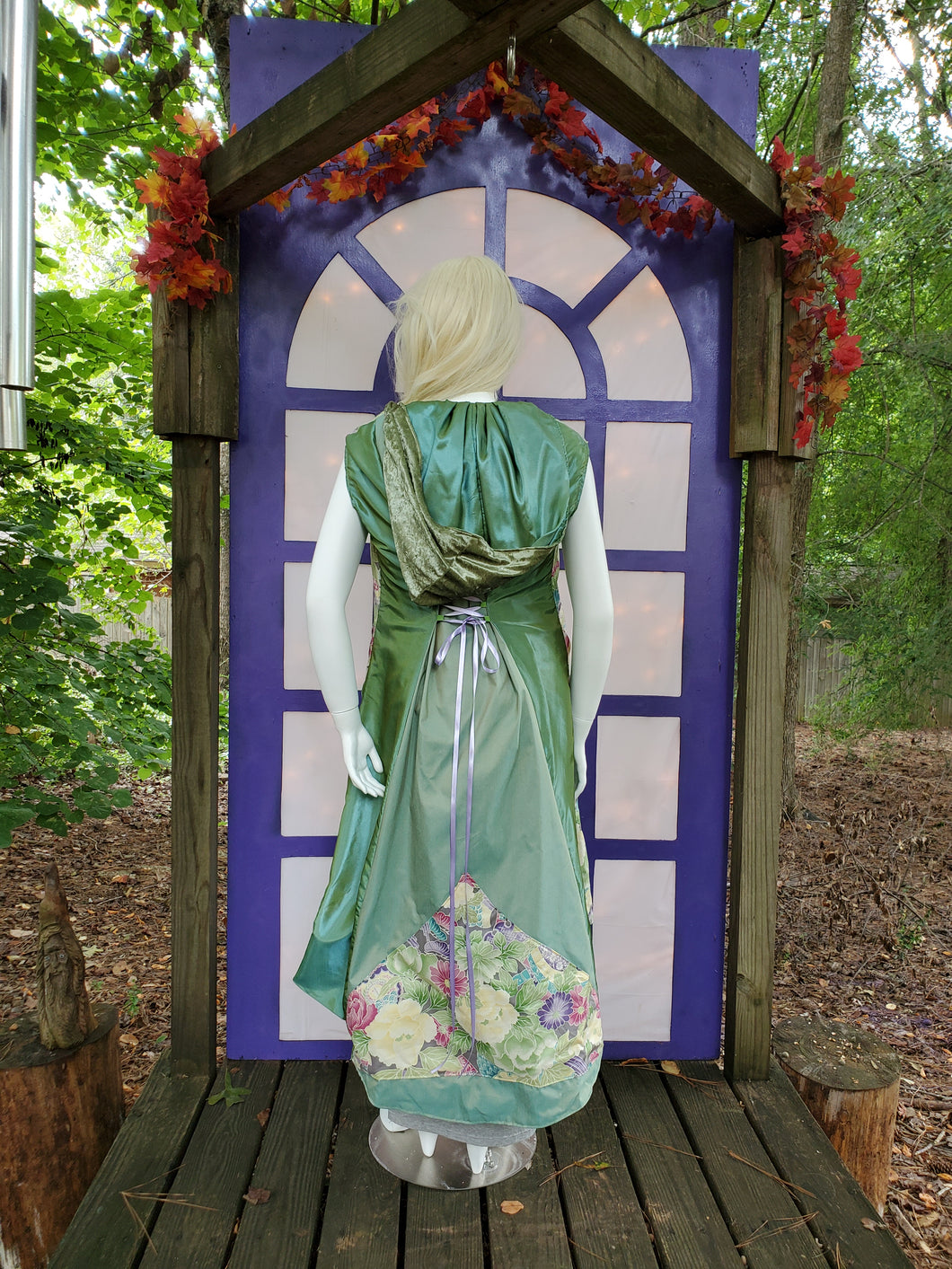 Floral Lavender in Spring Green WhmZ: Plus Size