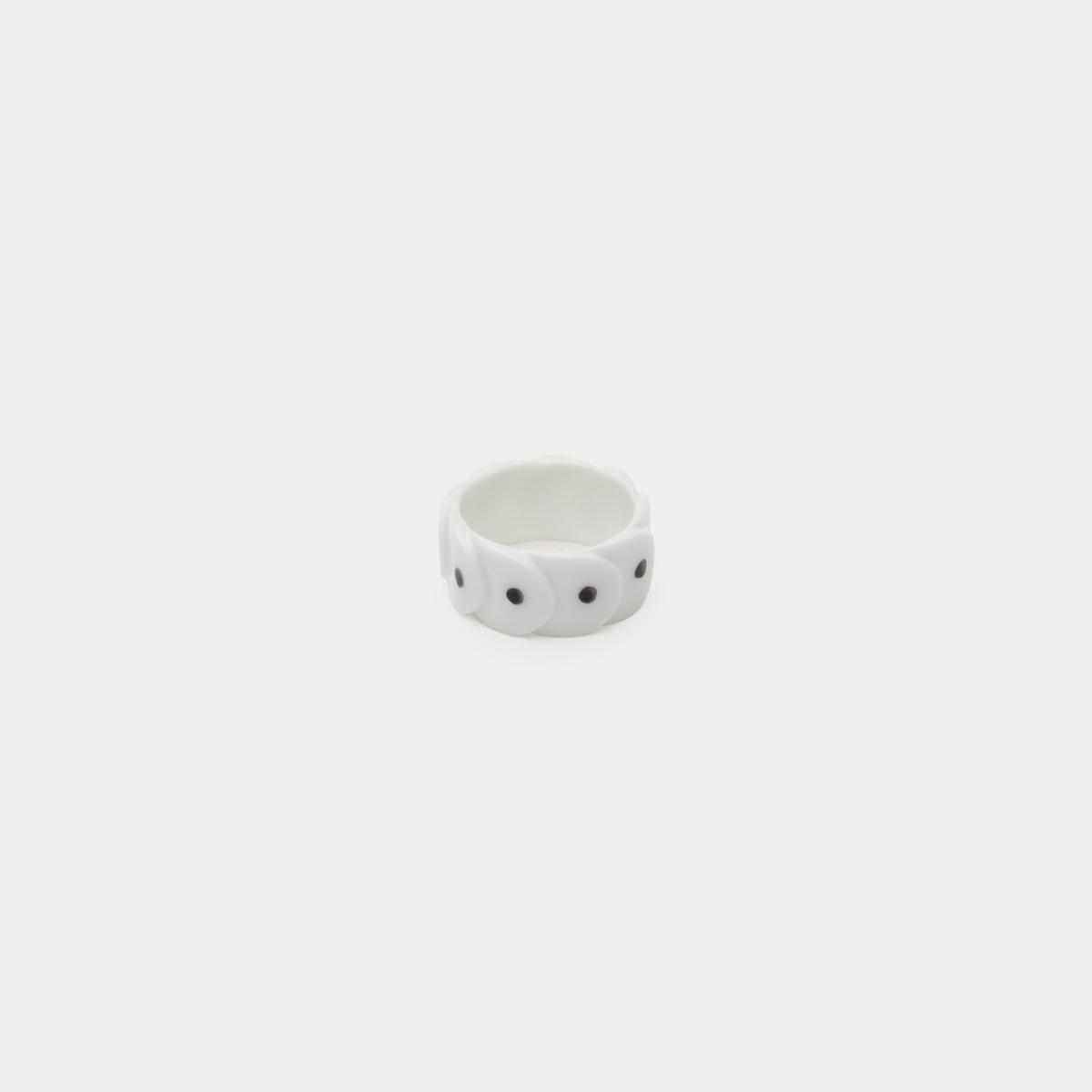 [Accessory] 2016/ Saskia Diez Drake Ring No.1 (White-Black Dot) | Imari-Arita Wares