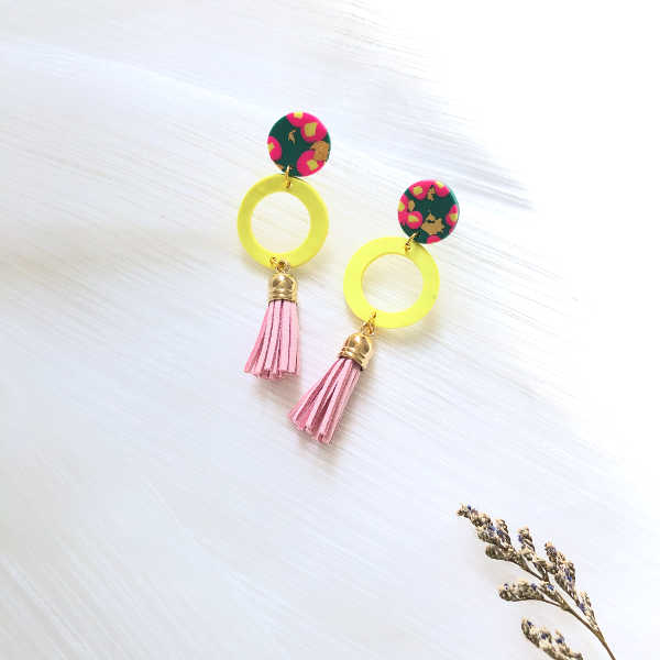 Aki de Fleur Light Pink Tassels Earrings