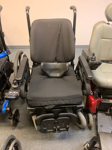 Heavy Duty Power Wheelchair - Quantum R-4000 - Veteran and Community Mobility Center