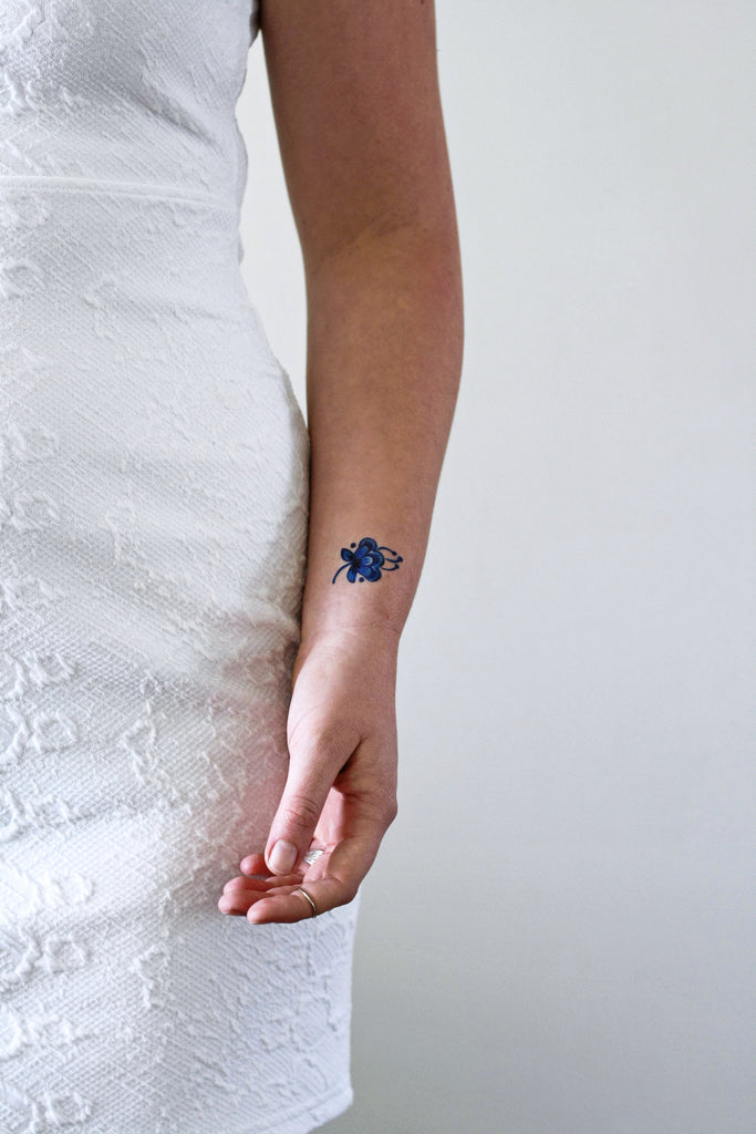 Small Delft Blue flower tattoo (set of 2) - a temporary tattoo by Tattoorary