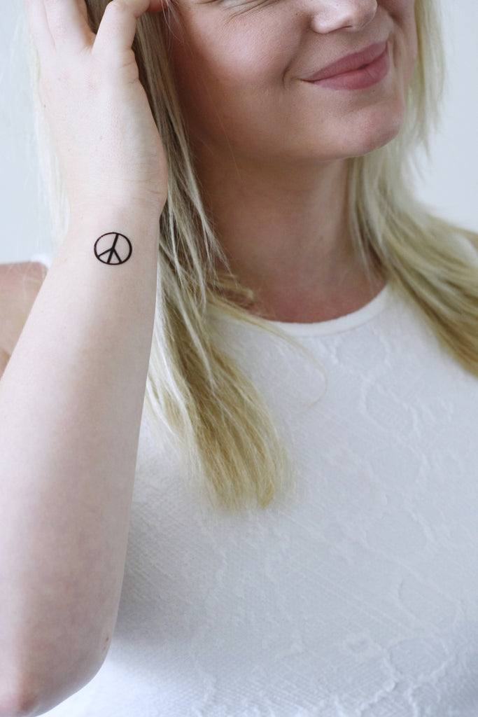 Peace sign temporary tattoos (4 pieces) - a temporary tattoo by Tattoorary