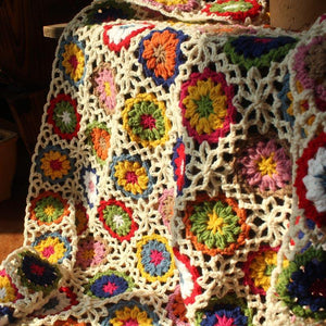 Retro Daisy Handmade Crochet Blanket Woven Sleepping Blanket Sofa Bed Casual Nap Throw Table Cover Crocheted Knitted Blankets freeshipping - herfreespirit