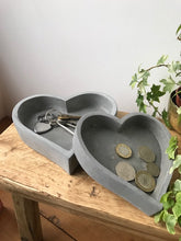Load image into Gallery viewer, Heart Cement Tray - 2 sizes