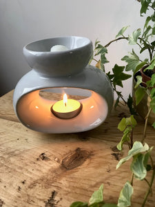 WHITE OVAL OIL BURNER / WAX MELT TEALIGHT HOLDER