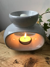 Load image into Gallery viewer, WHITE OVAL OIL BURNER / WAX MELT TEALIGHT HOLDER