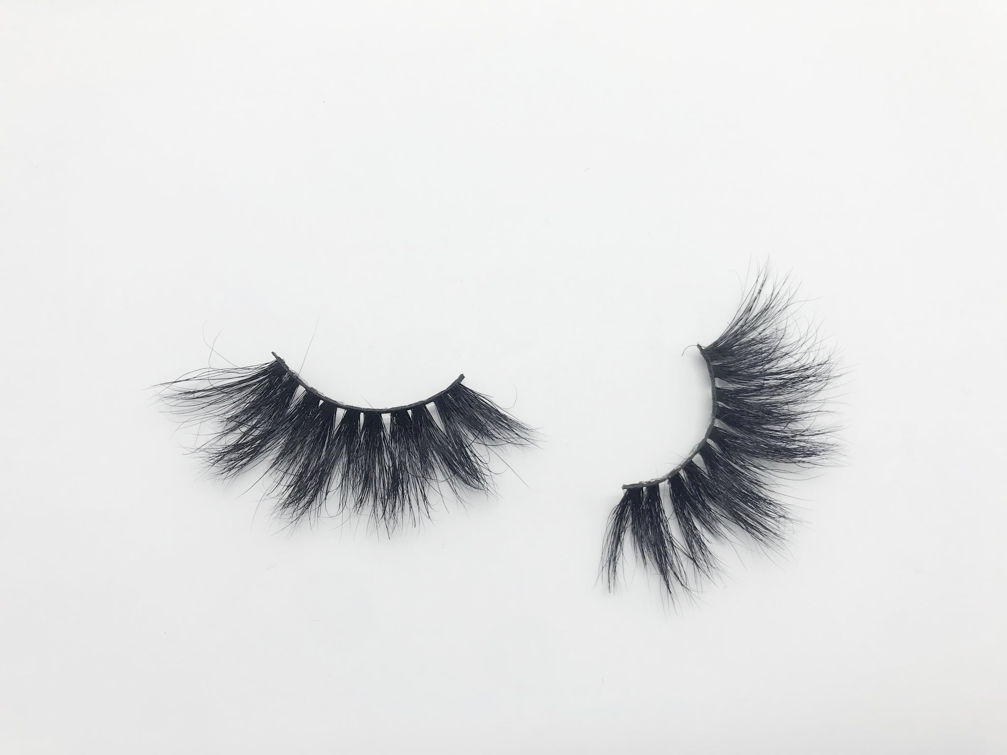 Glamour Volume Round Shape Fluffy Natural Eyelashes-Violet