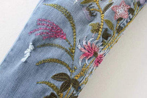Women's trendy jeans with floral embroidery
