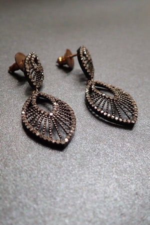 TEAR DROP DIAMONDS EARRINGS