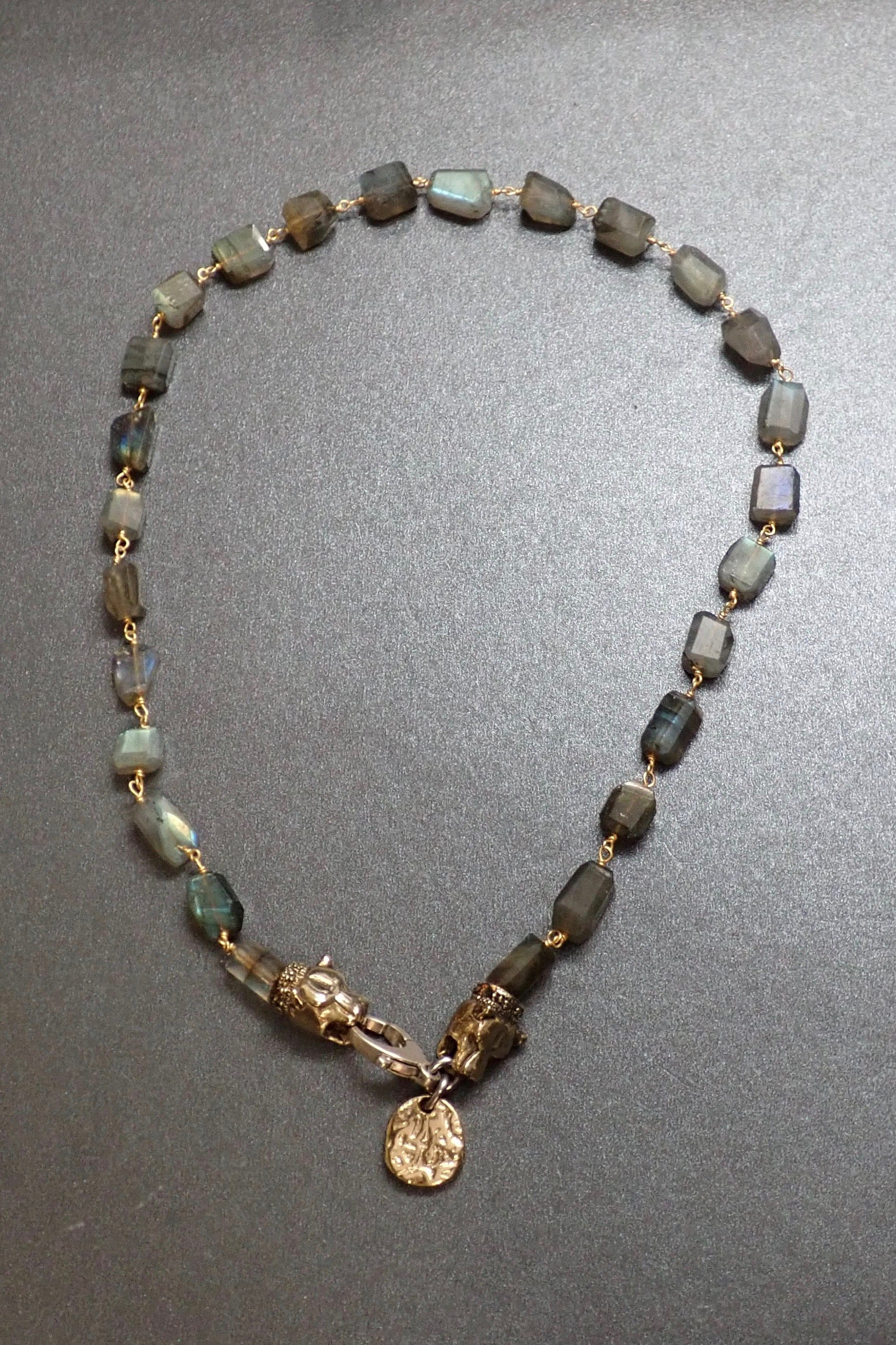 LABRADORITE SHORT NECKLACE