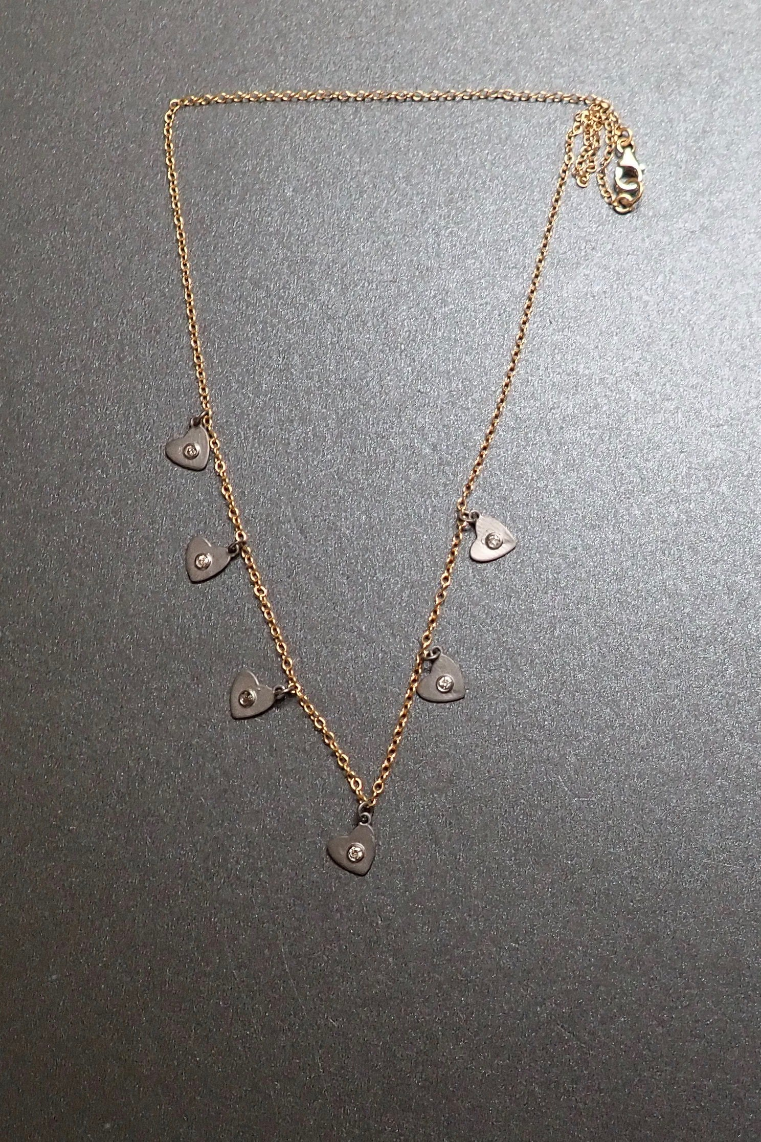 TRIANGLES DIAMONDS NECKLACE