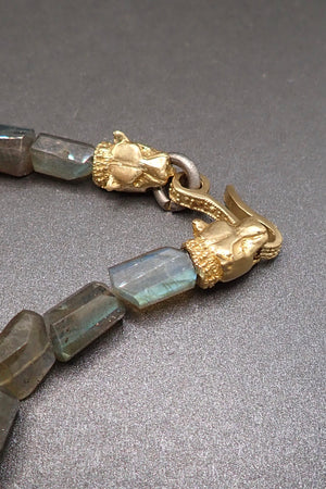 LABRADORITE NUGGETS NECKLACE