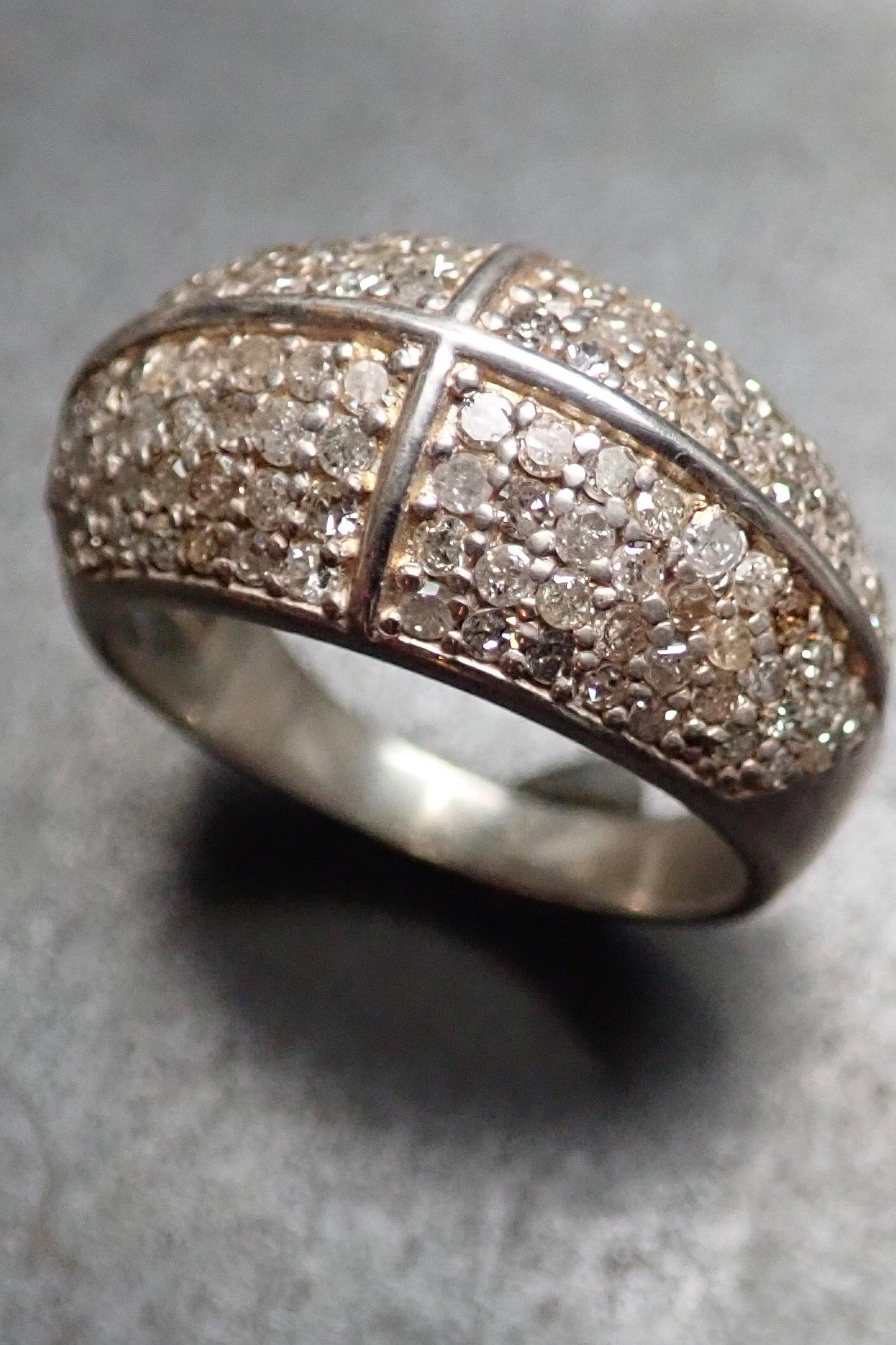 DOME CROSS DIAMONDS RING