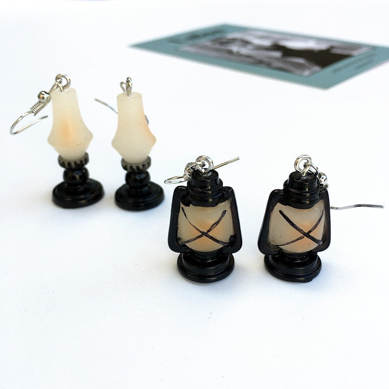 1pcs Vintage Retro Resin Lantern Earrings Interesting Kerosene Lamp Earrings for Women Nostalgic TV Phonograph Earrings Simulation Luggage Personality Funny Ear Jewelry