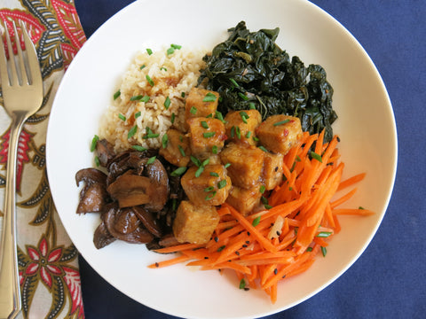 Marinated Tempeh with Gingered Carrots, Brown Rice, Mushrooms and Greens