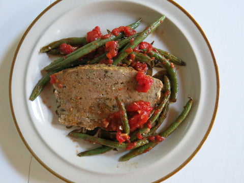 Meatloaf with Roasted Tomatoes and Green Beans