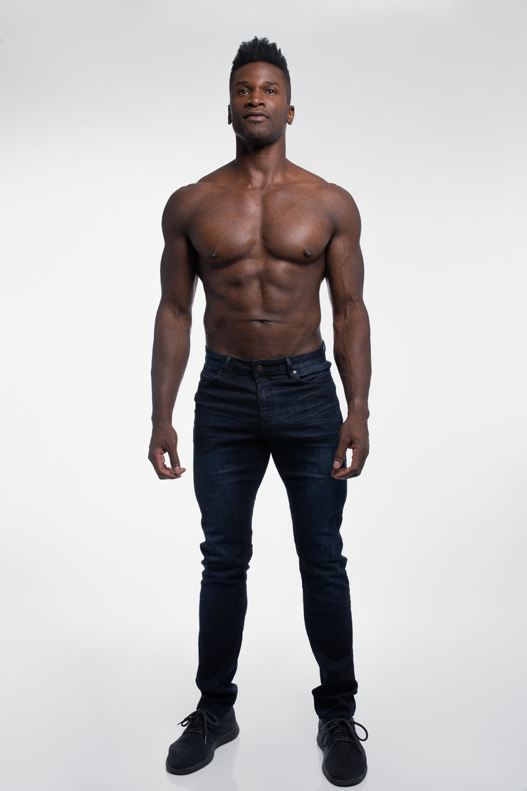 Straight Athletic Fit in Dark Distressed - image no.4