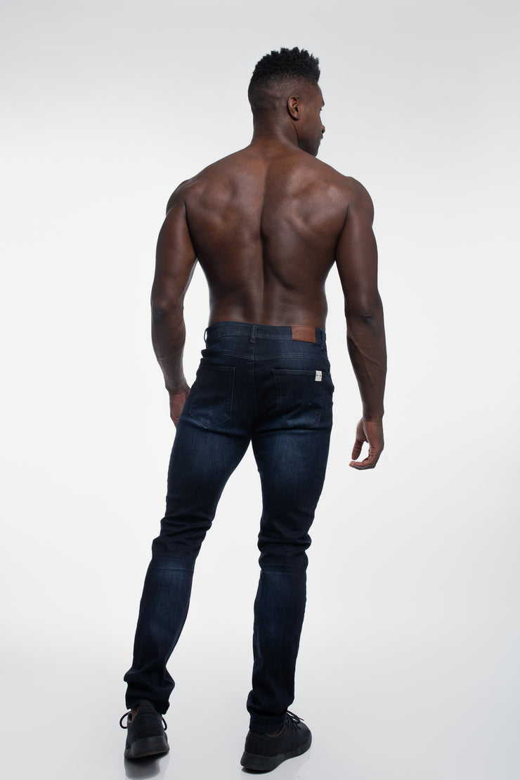 Straight Athletic Fit in Dark Distressed - image no.3