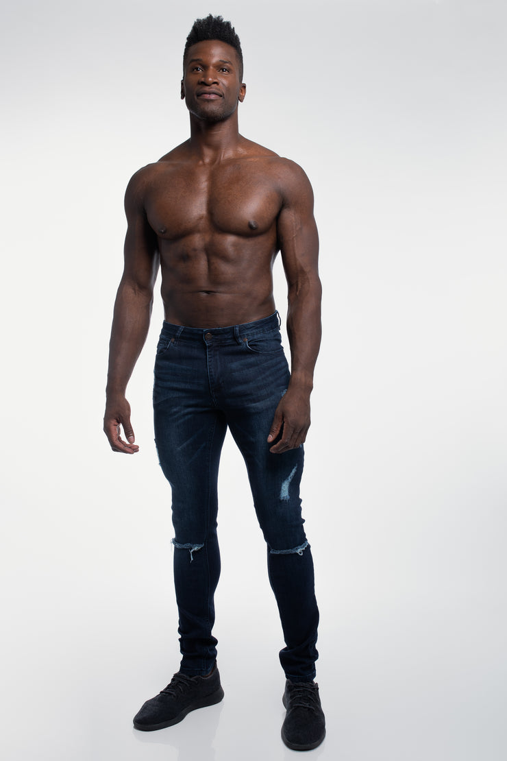 Slim Athletic Fit in Destroyed Dark Distressed - image no.4