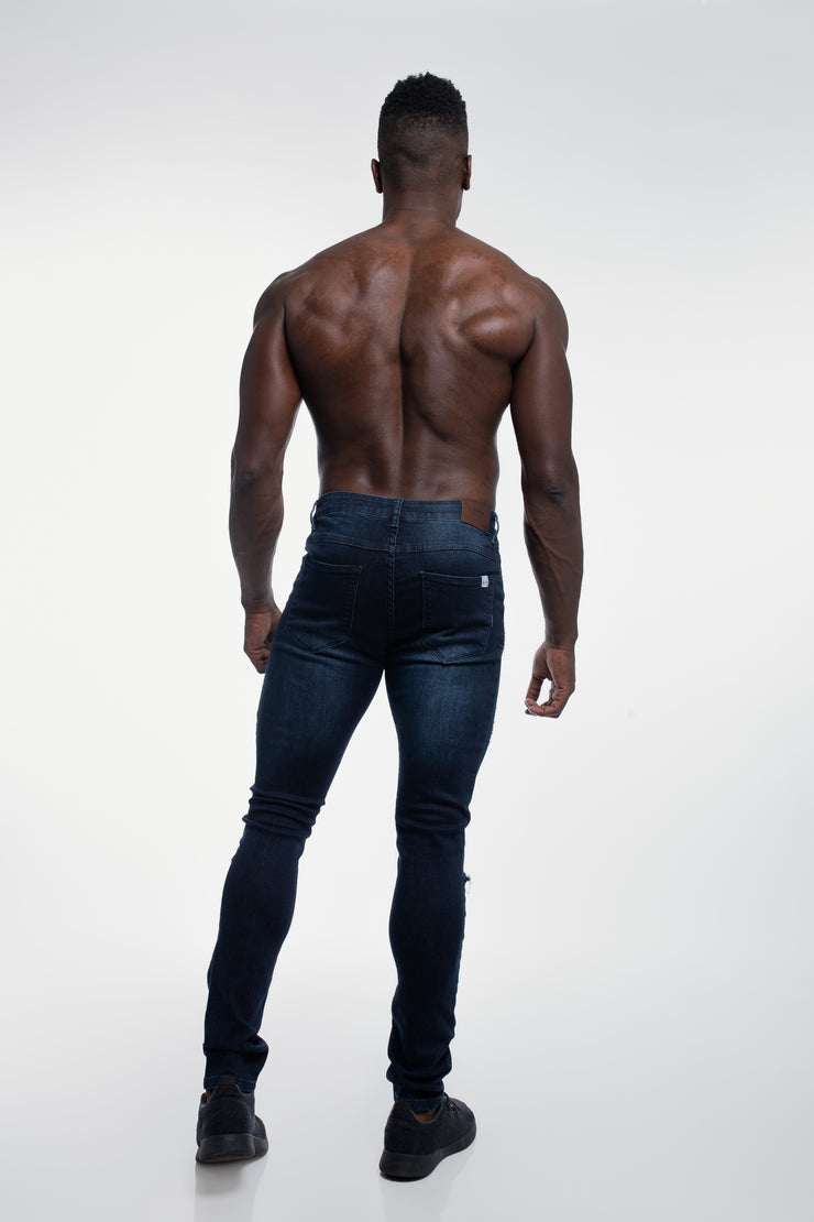 Slim Athletic Fit in Destroyed Dark Distressed - image no.3