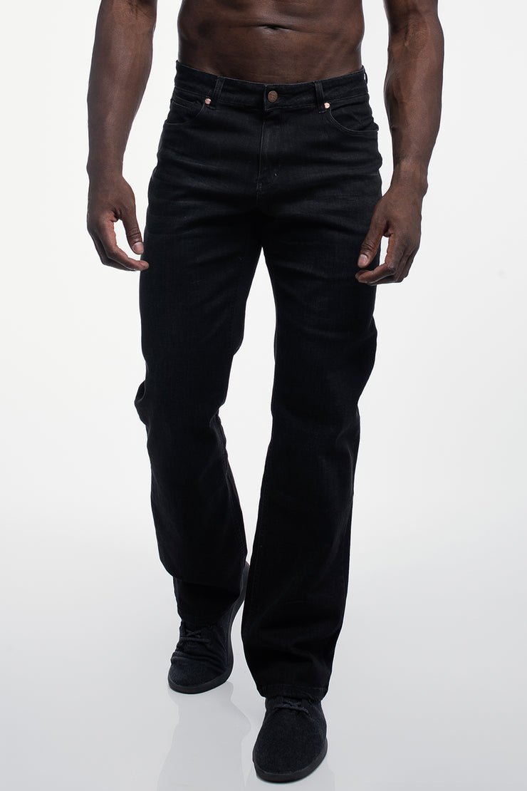 Relaxed Athletic Fit in Jet Black